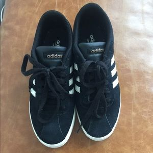 Adidas sneakers 6.5